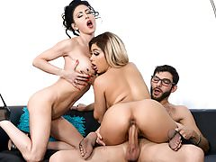 Jessica Jaymes and Aaliyah Hadid shares a big dick